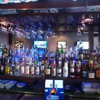Das Foto wurde bei Ashburn Pub von Jess B. am 4/1/2014 aufgenommen
