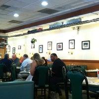 Foto tirada no(a) Heidelberg Family Restaurant por Freeflight A. em 6/5/2013