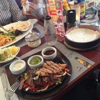 5/3/2013にDilek MerveがVe Cafe & Restaurantで撮った写真