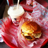 Das Foto wurde bei Good Stuff Eatery von Jonathan R. am 5/30/2013 aufgenommen