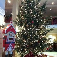 Foto diambil di Kempinski Hotel Moika 22 oleh Katerina M. pada 12/8/2012