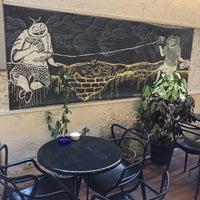 Foto tirada no(a) Mephisto Cafe por Yusuf D. em 1/3/2017