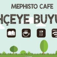 Foto tirada no(a) Mephisto Cafe por Yusuf D. em 3/6/2017