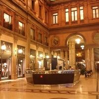 Снимок сделан в Galleria Alberto Sordi пользователем Aiah A. 9/17/2012