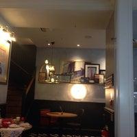 Photo prise au Café Rouge par Stephen H. le10/20/2013