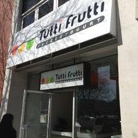 3/26/2013에 Ernest H.님이 Tutti Frutti에서 찍은 사진