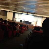 10/5/2012 tarihinde Devina R.ziyaretçi tarafından Auditorium BINUS University'de çekilen fotoğraf
