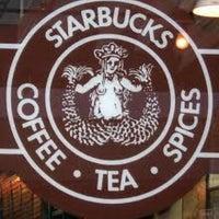 Foto scattata a Starbucks da Meriç K. il 2/7/2013