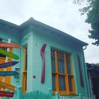 7/20/2016 tarihinde Selin G.ziyaretçi tarafından Büyükada Bistro Candy Garden'de çekilen fotoğraf