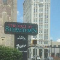 6/29/2013에 Kyla A.님이 The Marketplace at Steamtown에서 찍은 사진