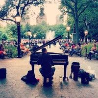 6/30/2013 tarihinde Josh P.ziyaretçi tarafından Washington Square Park'de çekilen fotoğraf
