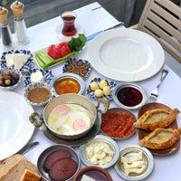 12/30/2018 tarihinde Meltem A.ziyaretçi tarafından Seraf Restaurant'de çekilen fotoğraf