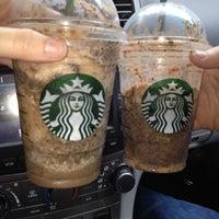 รูปภาพถ่ายที่ Starbucks โดย Michelle C. เมื่อ 5/3/2013