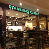 Снимок сделан в Starbucks пользователем Helen M. 1/19/2013