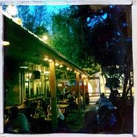 รูปภาพถ่ายที่ Heartland Café โดย Ricky B. เมื่อ 8/9/2014