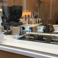 Photo prise au Blue Bottle Coffee par Rosie Mae le10/4/2018