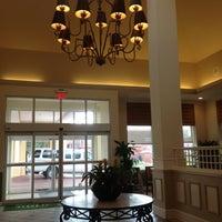 Foto diambil di Hilton Garden Inn oleh Twin L. pada 10/13/2012