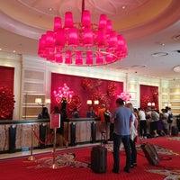 Das Foto wurde bei Encore Las Vegas von Victoria M. am 6/19/2013 aufgenommen
