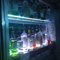 3/16/2013에 Victoria M.님이 Mehanata Bulgarian Bar에서 찍은 사진