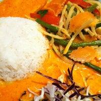 Das Foto wurde bei Thai Basilikum von Yasmin Rizi am 12/28/2012 aufgenommen