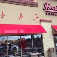 Foto tirada no(a) Freddy's Frozen Custard & Steakburgers por Mark W. em 8/11/2013