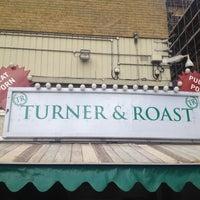 1/27/2014 tarihinde Hannah S.ziyaretçi tarafından Turner & Roast'de çekilen fotoğraf