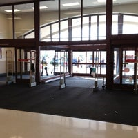 Foto diambil di Target oleh Kris M. pada 12/17/2011