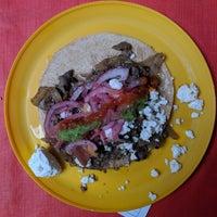 9/4/2018 tarihinde Tobias S.ziyaretçi tarafından Tacos la glorieta'de çekilen fotoğraf
