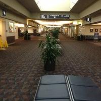 Image added by John Mangrum at Colorado Springs Airport (COS)