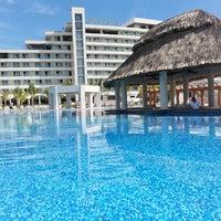 7/31/2014 tarihinde Itzel R.ziyaretçi tarafından Resort Mundo Imperial'de çekilen fotoğraf