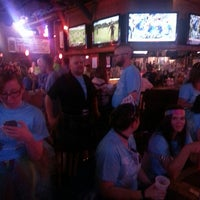 Photo prise au Heroes Sports Bar & Grill par Byron W. le8/24/2013
