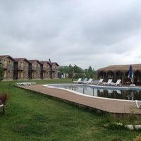 Das Foto wurde bei Ağva Gizemli Nehir Hotel von Damla Y. am 5/9/2013 aufgenommen
