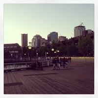 Das Foto wurde bei Waterfront Park von Bud H. am 7/29/2013 aufgenommen