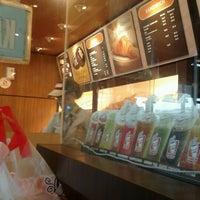 12/13/2012에 dbie y.님이 Dunkin' Donuts에서 찍은 사진