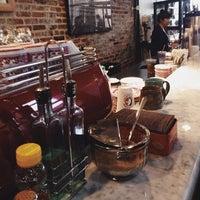 Photo prise au La Colombe Coffee Roasters par Emily le3/29/2014