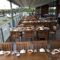 Foto tirada no(a) Tria Restaurant Cafe por SAVAŞ K. em 6/16/2016