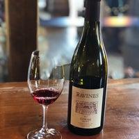รูปภาพถ่ายที่ Ravines Wine Cellars โดย Beverly D. เมื่อ 9/16/2019