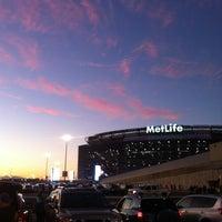รูปภาพถ่ายที่ MetLife Stadium โดย Eric O. เมื่อ 9/19/2012