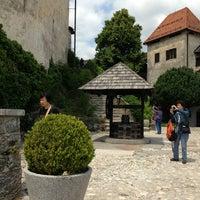 Das Foto wurde bei Burg Bled von medcectpa am 6/27/2013 aufgenommen