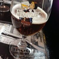 รูปภาพถ่ายที่ Cafe Massilia โดย Hugo T. เมื่อ 11/30/2012