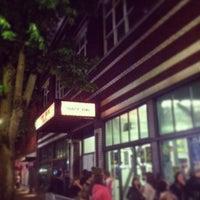 Foto scattata a Roseland Theater da Danny S. il 4/24/2013