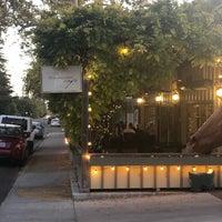 รูปภาพถ่ายที่ Los Olivos Wine Merchant Cafe โดย Jason D. เมื่อ 11/8/2019