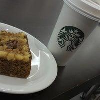 Das Foto wurde bei Starbucks von Ana Paula F. am 5/24/2013 aufgenommen