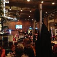 Das Foto wurde bei Elmo's Diner von Joshua L. am 10/28/2012 aufgenommen