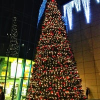Снимок сделан в The Mall Athens пользователем Natassa T. 11/28/2012
