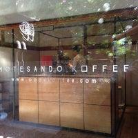 Photo prise au Omotesando Koffee par Danny W. le11/25/2012