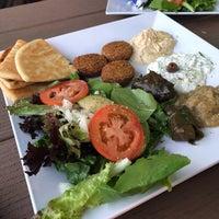 Foto scattata a Santorini Cafe da Quanzi V. il 5/26/2018