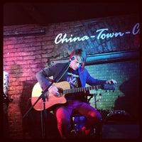 Das Foto wurde bei China Town Café von Yuriy S. am 3/15/2013 aufgenommen