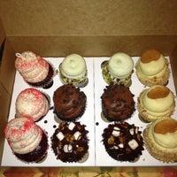 Снимок сделан в Gigi's Cupcakes пользователем Eduardo C. 9/15/2012