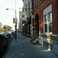 Foto tirada no(a) Dark Matter Coffee (Star Lounge Coffee Bar) por Jane W. em 10/21/2012